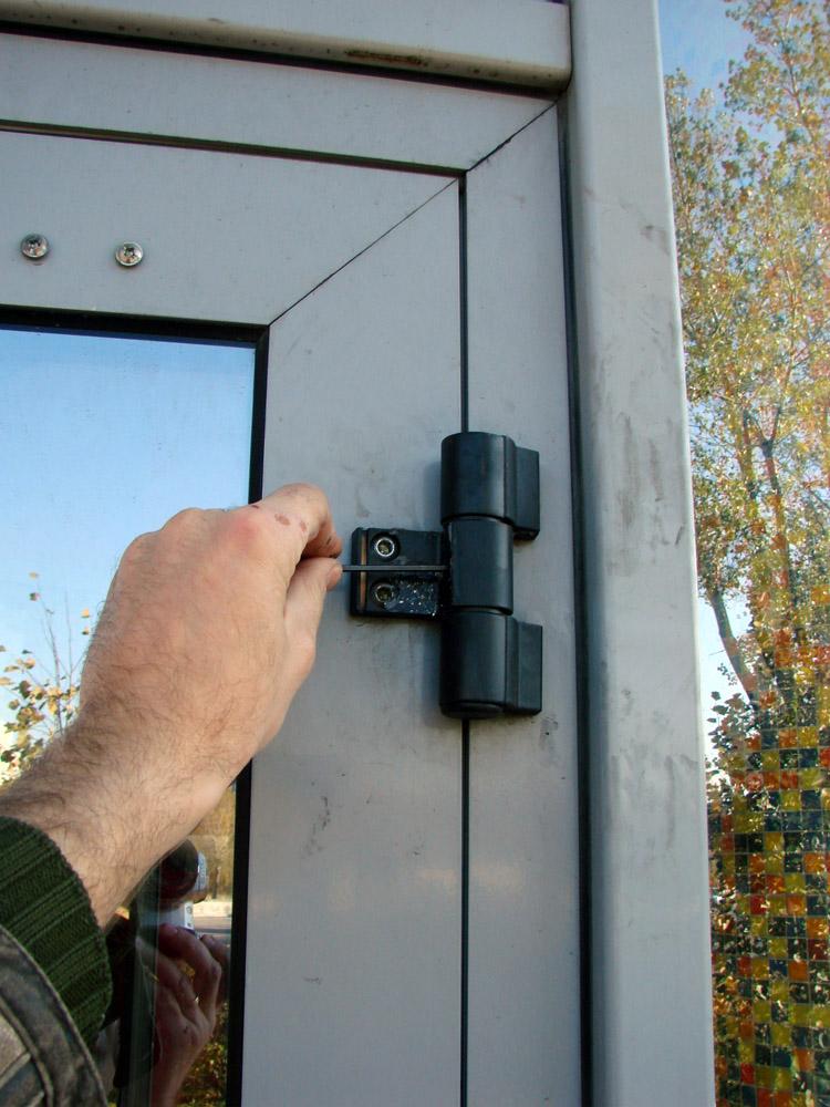 Ремонт своими руками пластиковых дверей 798
